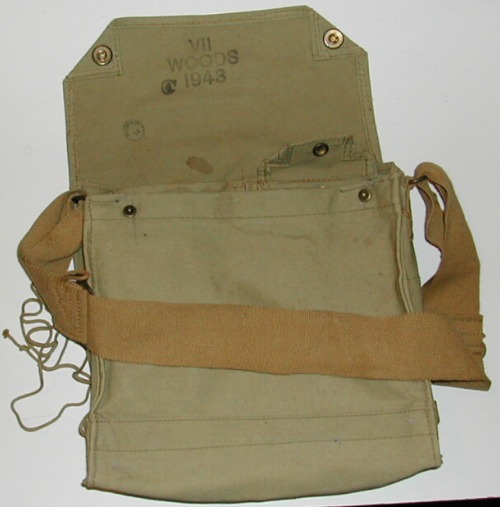 http://www.mpmuseum.org/ww2equipment/ww2web/bag2.jpg